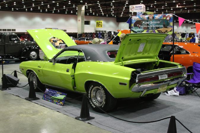 Car Club Inc: 1970 Dodge Challenger RT/SE